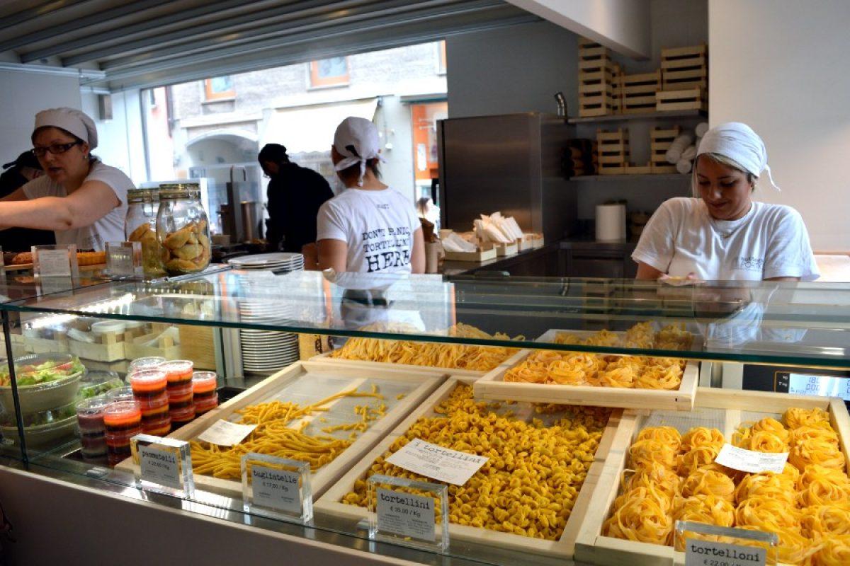 Pasta fresca e una terrazza sulle Due Torri: Bottega Portici non ha segreti