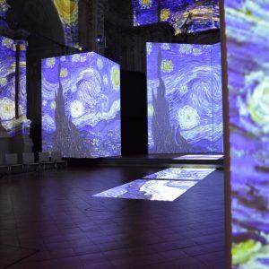 """Immersi nelle opere d'arte: una passeggiata a """"Van Gogh Alive"""" a Bologna"""