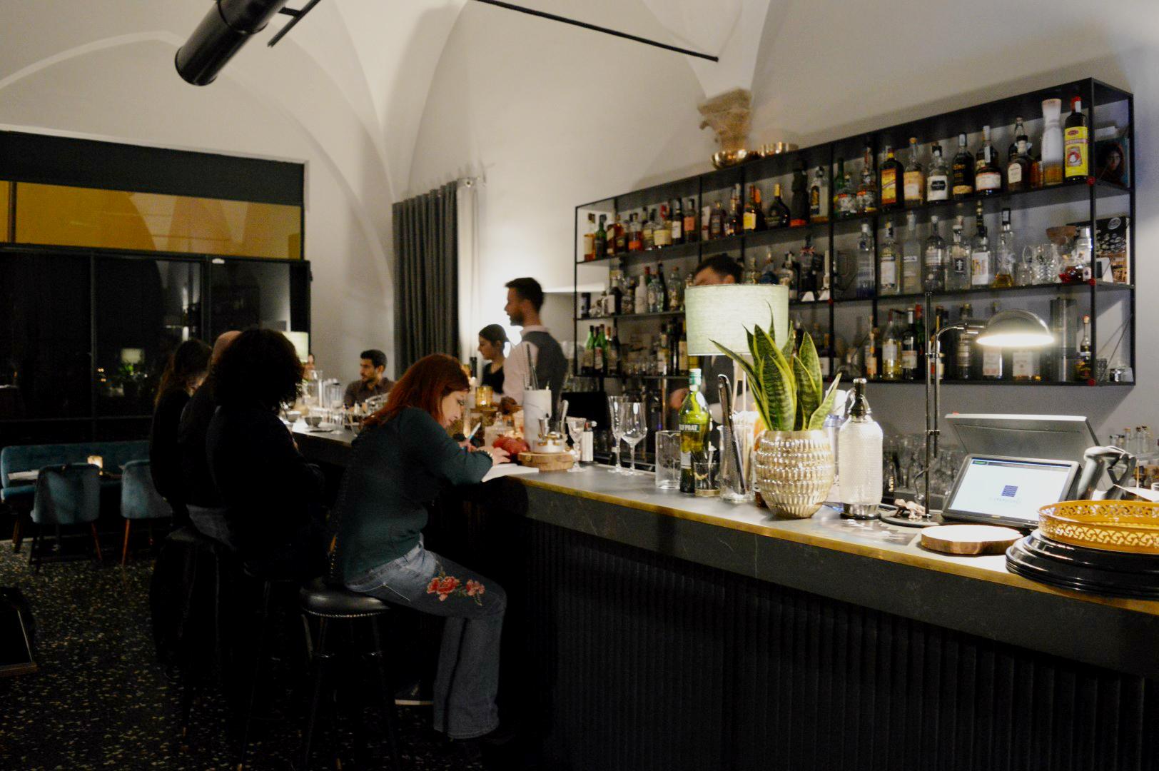I conoscenti bologna cocktail e cucina non tornarci for E cucina 24 bologna