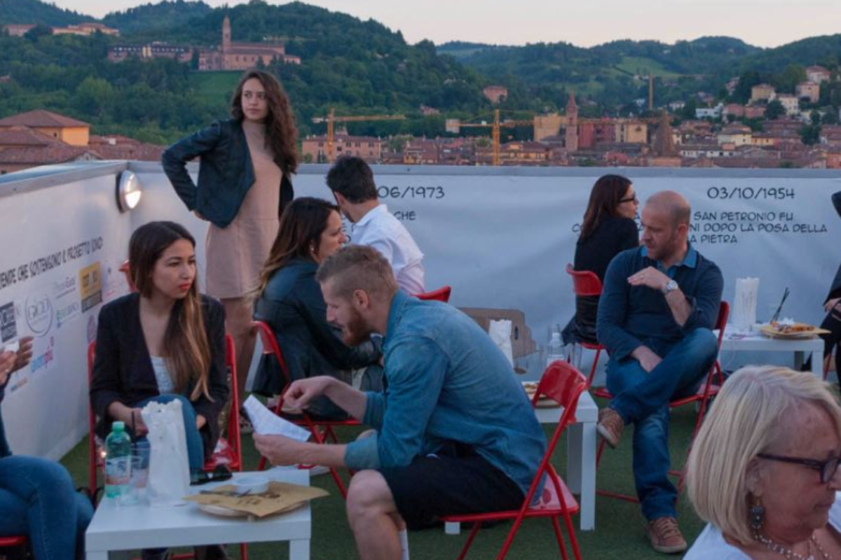 Aperitivi in Terrazza, cin cin su Bologna