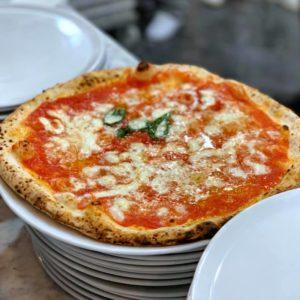 L'Antica Pizzeria Da Michele ha conquistato Bologna