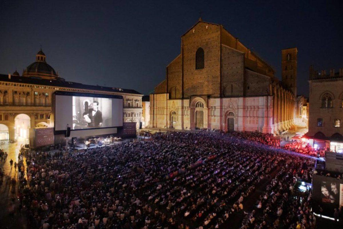 Torna il cinema in Piazza Maggiore a Bologna