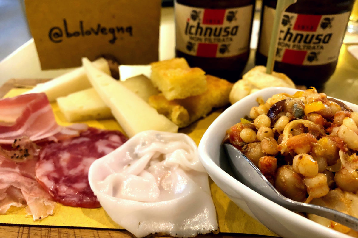L'aperitivo sardo di Bombas è arrivato a Bologna