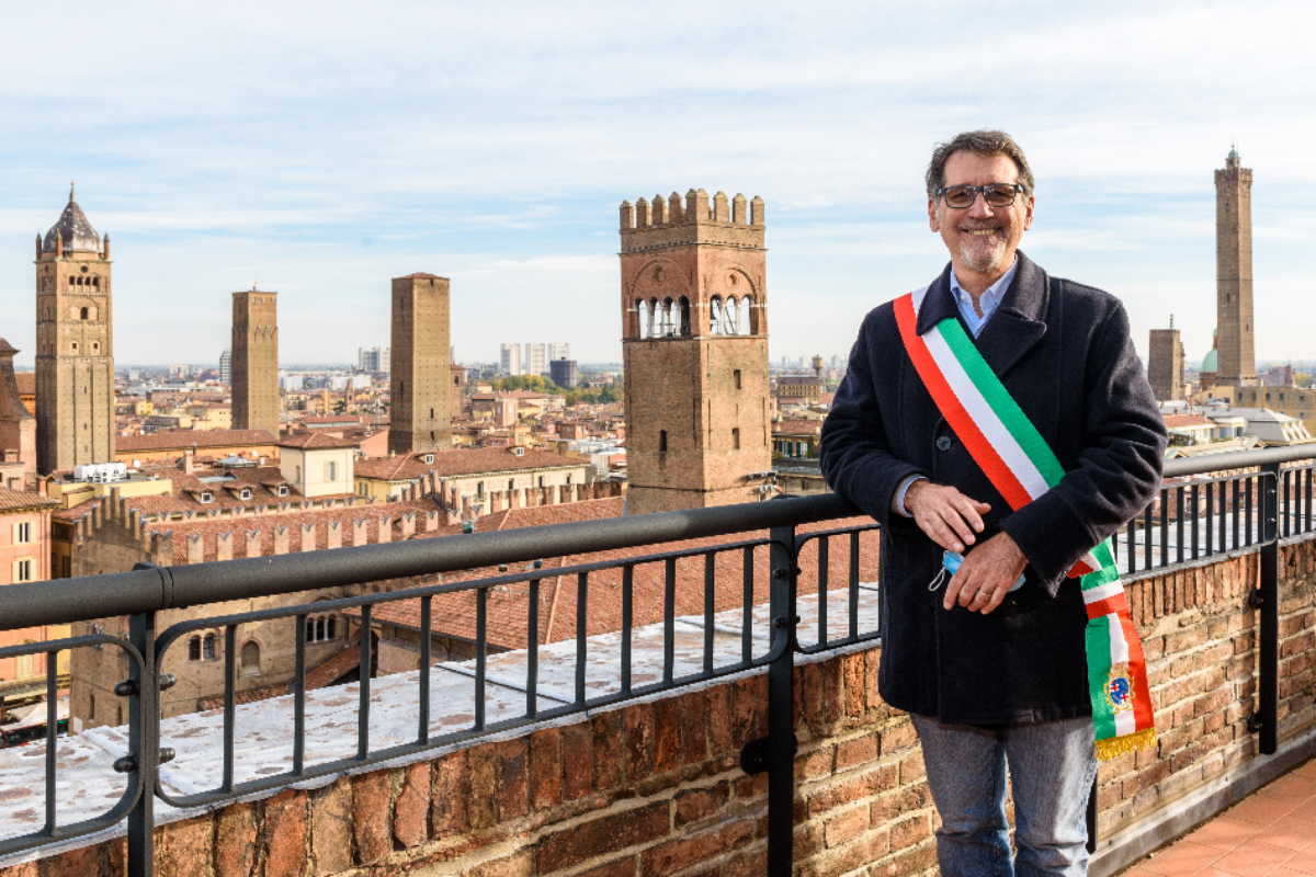 La Torre dell'Orologio apre al pubblico: vista a 360 gradi su Bologna