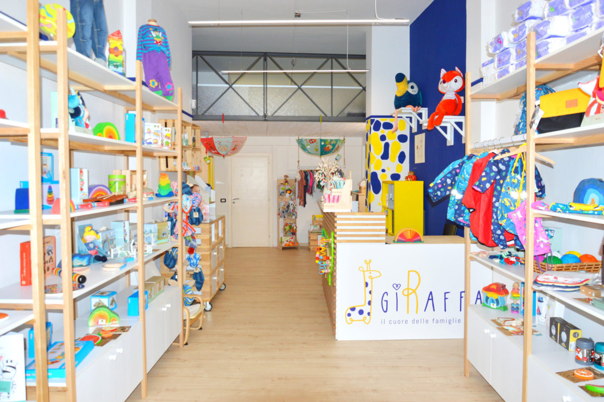 GiRaffa, a Bologna il negozio green per genitori e bambini