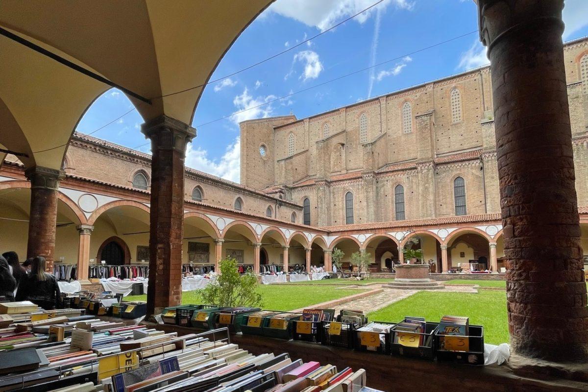Il mercatino dell'usato che non tutti conoscono a Bologna