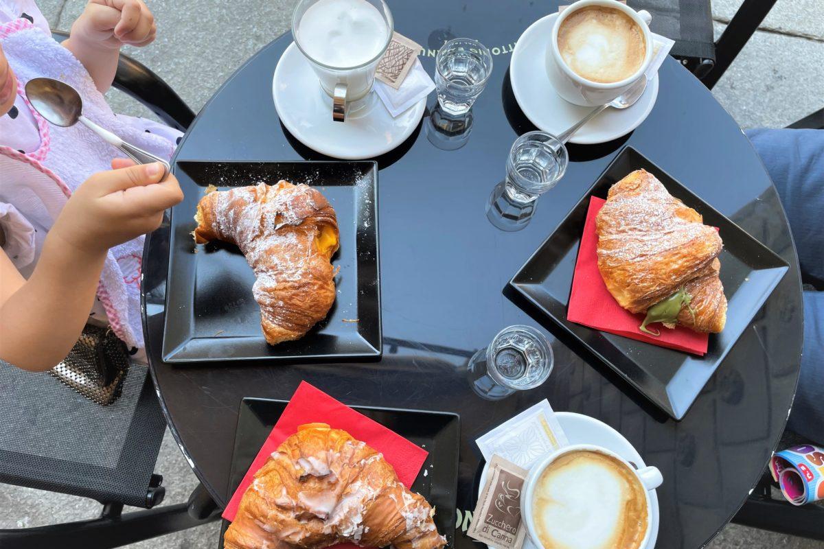 La nuova colazione in Piazza Maggiore al Bar Vittorio Emanuele